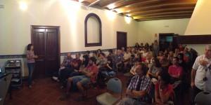Una vuitantena de veïns i veïnes s'han interessat pel futur de la Serra de Galliners. Foto: Junts per Sant Quirze.